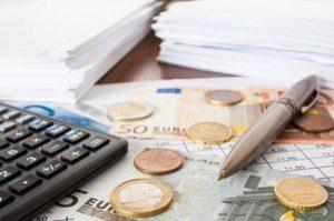 Demander une remise de frais bancaiers